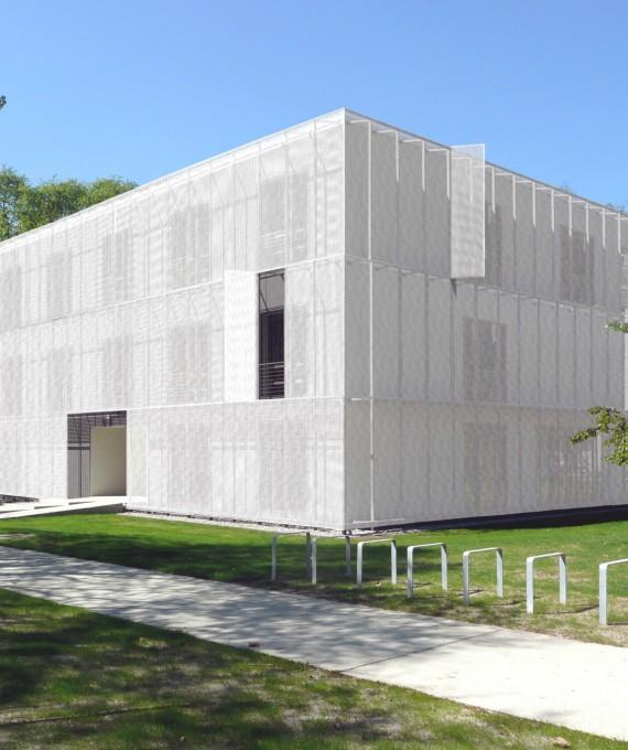 Campus Berlin-Buch, MRT-Gebäude